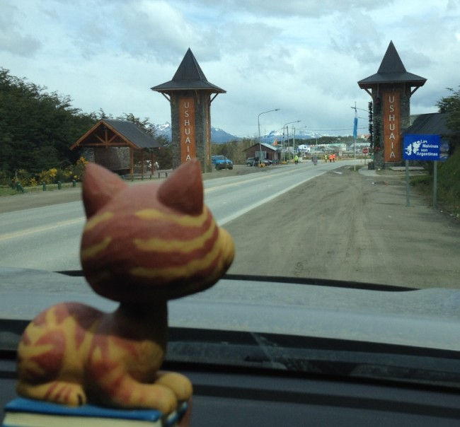 The Cheshire Cat enters Ushuaia.